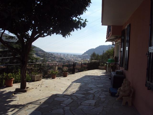 CASA INDIPENDENTE IN CAMPOROSSO